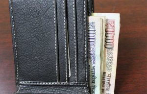 10 Clever Ways of Keeping Your Money Safe While Traveling
